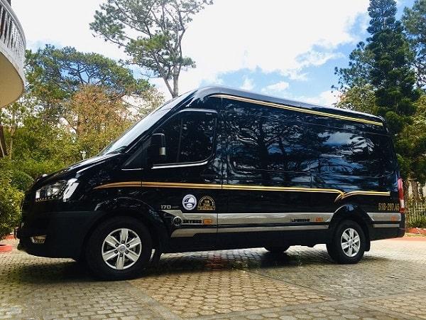 Xe limousine đi đà lạt 9
